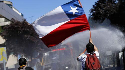 Piñera se deconstruye: investigará excesos policiales y priorizará la agenda social