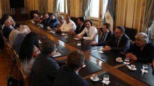 El Gobierno busca el apoyo de gremios y empresarios para renegociar la deuda