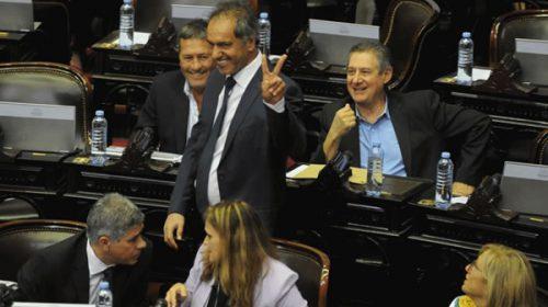 Constitucionalistas recomiendan no judicializar la presencia de Daniel Scioli en Diputados