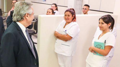 Alberto inaugura hospital exclusivo para pacientes con coronavirus