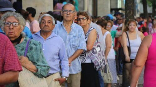 AUH y jubilaciones: los bancos abrirán sábado y domingo