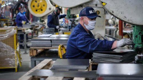 Según la UIA, la industria sigue en recuperación: creció 8,4% intermensual en julio