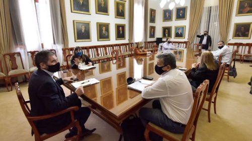 El gobierno propone una suma fija a cuenta de paritarias