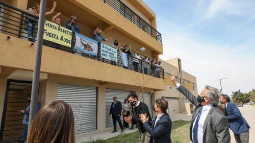 Alberto Fernández entregó viviendas Procrear que Macri dejó inconclusas